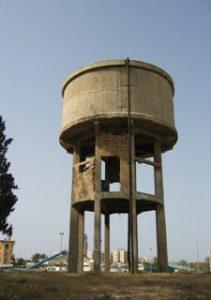 שביל למגדל המים